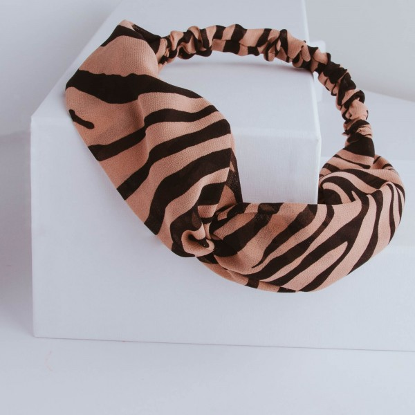 PARSA Beauty headband with knot detail in a trendy tiger design